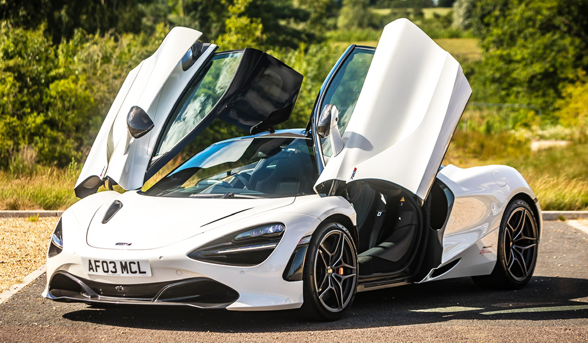 Virtual Vehicle Show McLaren 720s Picture 1